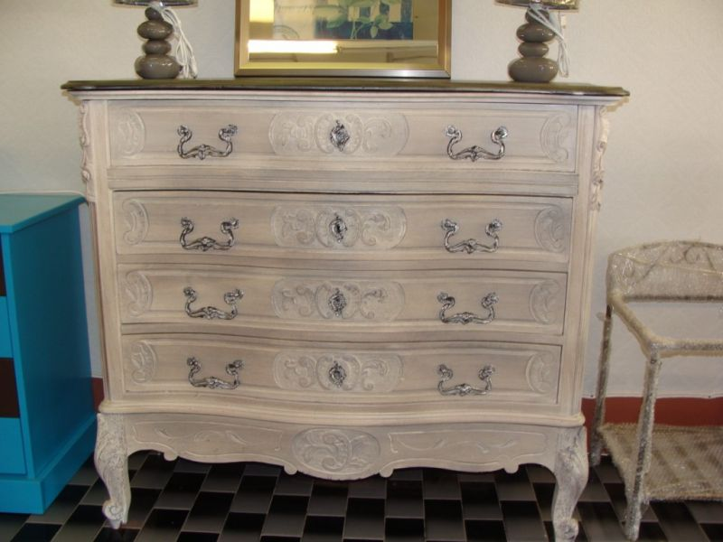 d capage et c ruse d 39 une commode louis xv en noyer martigues peinture et patine de meubles. Black Bedroom Furniture Sets. Home Design Ideas