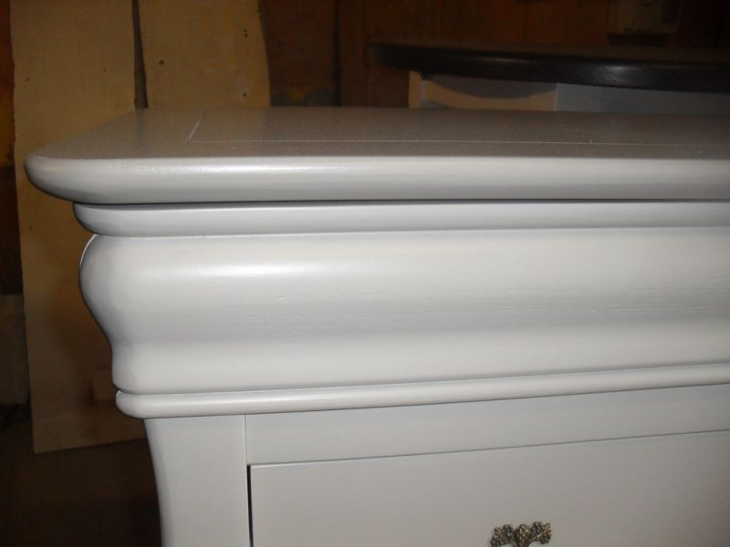 Commode en merisier relook e en gris istres finition for Renovation meuble bois