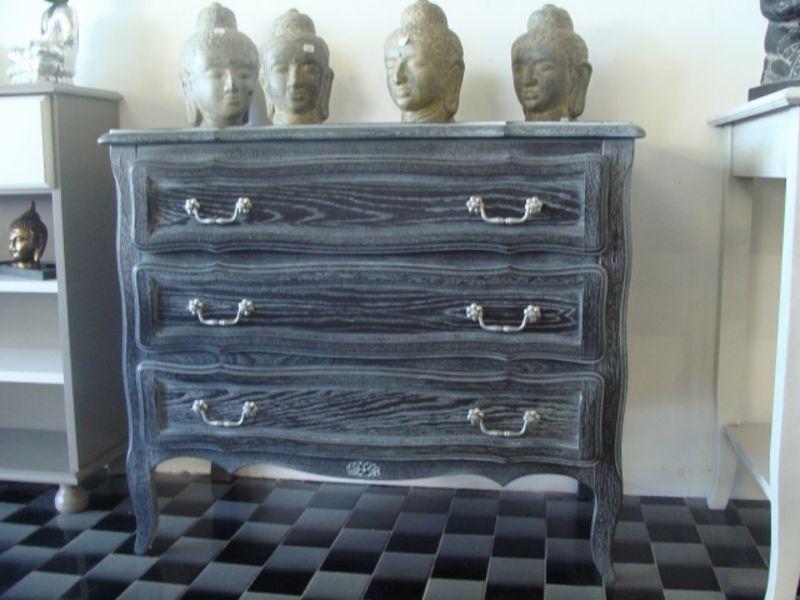 commode en placage ch ne d cap e et c rus e finition patine et relooking de meuble aix en. Black Bedroom Furniture Sets. Home Design Ideas