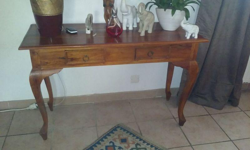 relookage d 39 une console ancienne en blanc vieilli martigues finition patine et relooking de. Black Bedroom Furniture Sets. Home Design Ideas