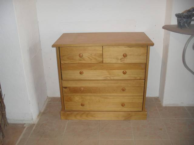 D capage et relookage d 39 une commode en pin cir e for Ceruser un meuble en pin