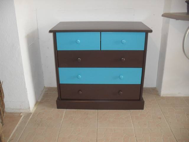 D capage et relookage d 39 une commode en pin cir e for Decapage de meuble