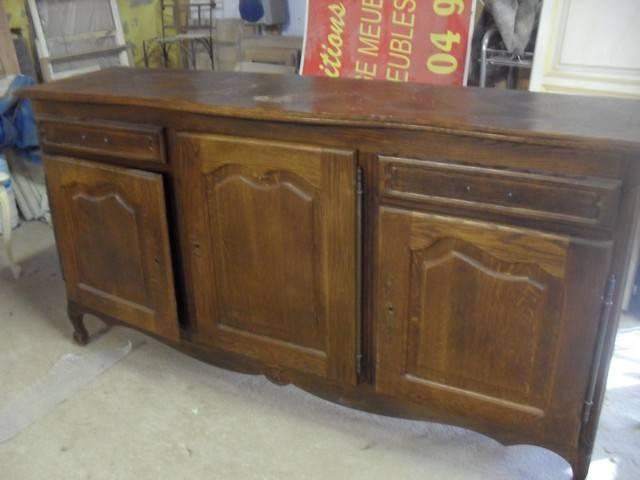 D capage peinture et patine d 39 un bahut en ch ne style for Decapage meuble chene