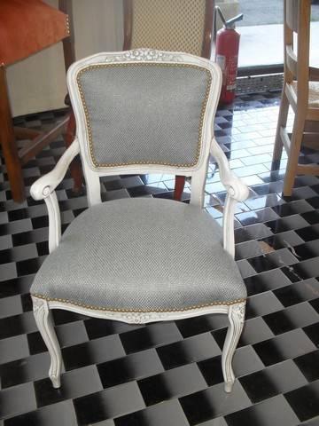 d capage peinture et patine d 39 un fauteuil lan on de provence peinture et patine de meubles. Black Bedroom Furniture Sets. Home Design Ideas