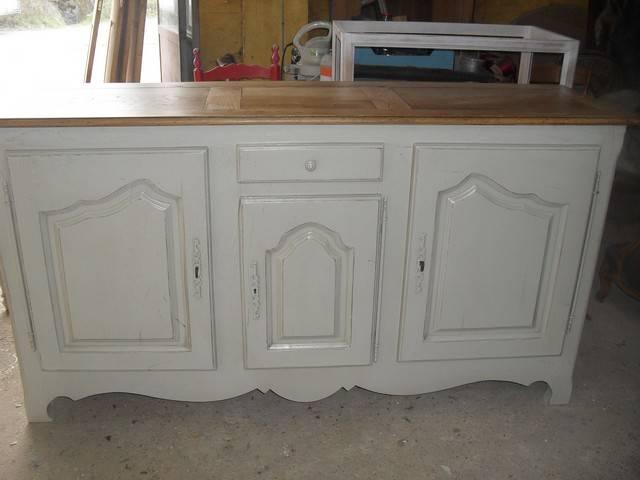 Relookage d 39 un bahut en ch ne massif ivoire avec plateau for Moderniser un meuble en chene
