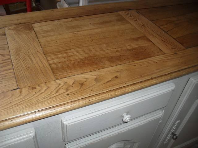 relookage d 39 un bahut en ch ne massif ivoire avec plateau couleur bois naturel peinture et. Black Bedroom Furniture Sets. Home Design Ideas