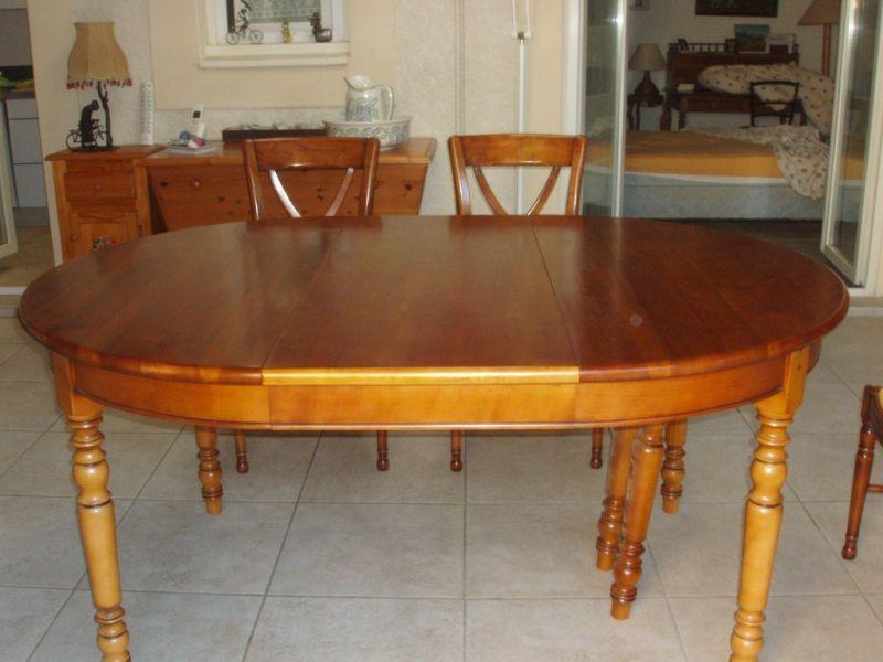 table et chaises en merisier relook es saint martin de crau finition patine et relooking de. Black Bedroom Furniture Sets. Home Design Ideas