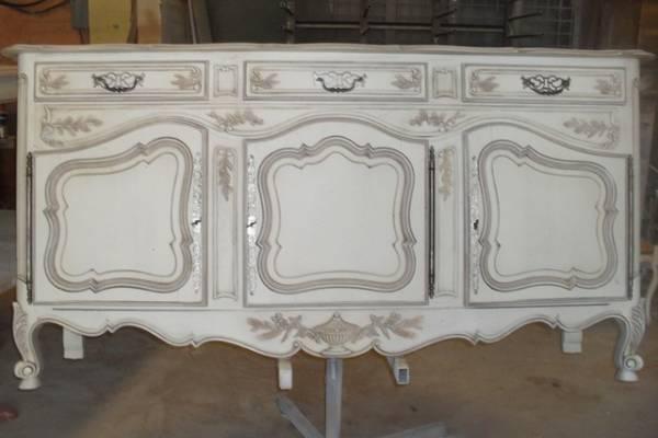 Peinture et patine pour relooking de meubles marseille for Salle de bain louis xv